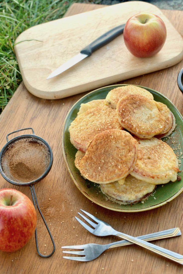 Vegan Apple Fritters {Austrian Apfelspalten}