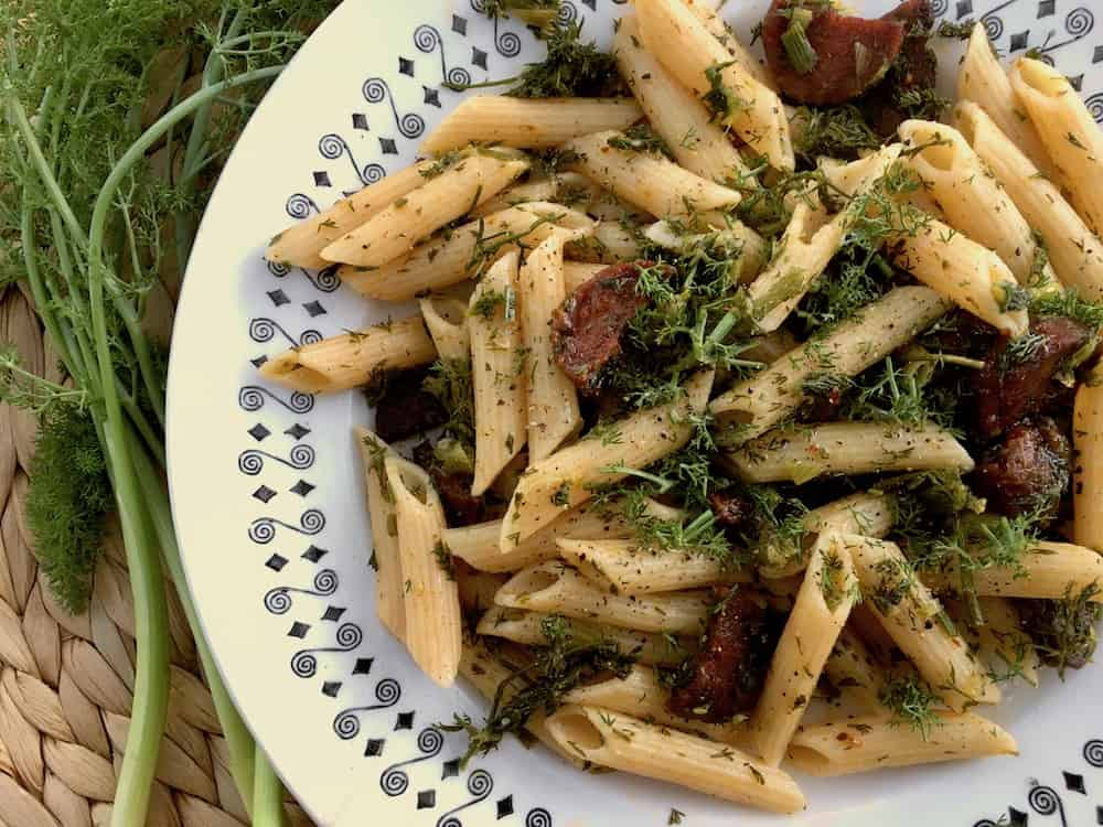 Pasta with wild fennel leaves and fried vegan chorizo