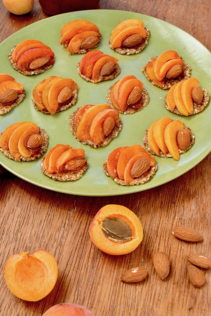 Mini Apricot Tarts with Almonds