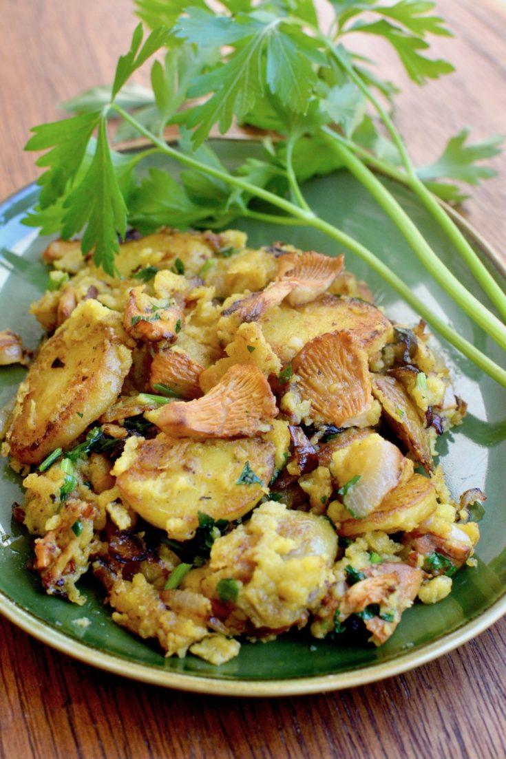Vegan Breakfast Scramble with Chanterelles & Potatoes
