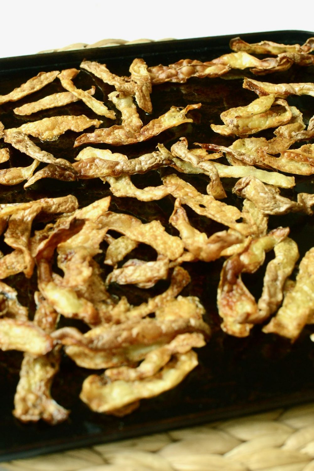 The cooked crisps are golden and crunchy