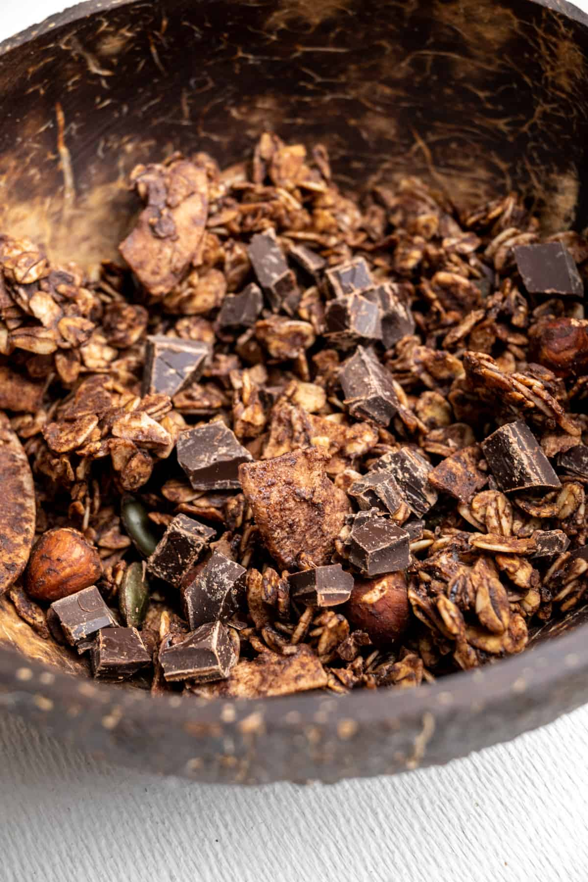 Granola with cocoa powder and chocolate as a tasty variation of this recipe.