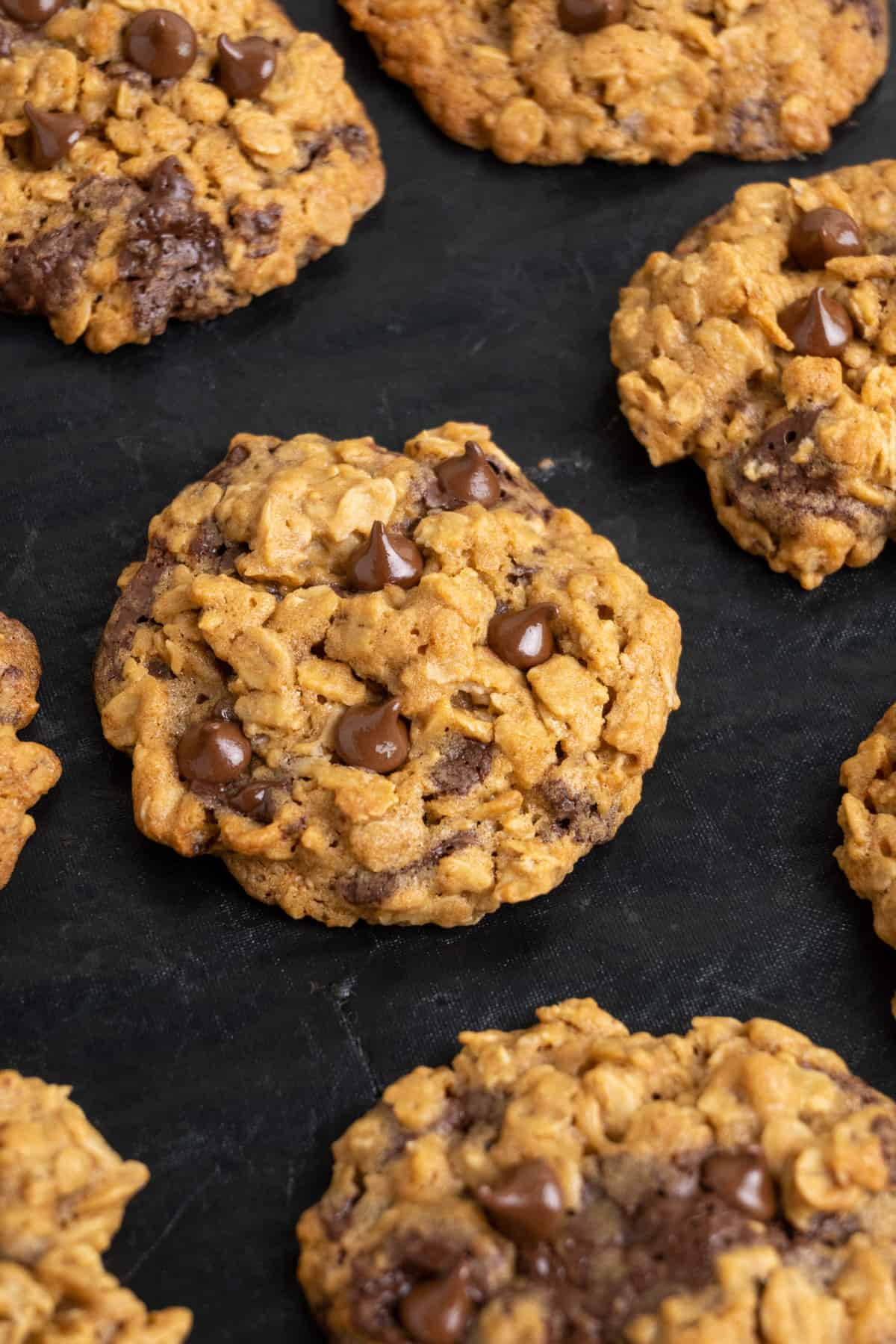 A close up of baked cookies on a baking tray.